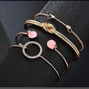 Set of 4 gold bracelets!!🤩